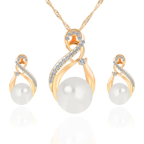 New Fashion Pearl and Crystal Earrings, Pendant, Necklace Set, Platinum, Gold Finish.