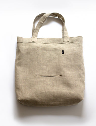 front view of Mitaka large bag with one built-in pocket