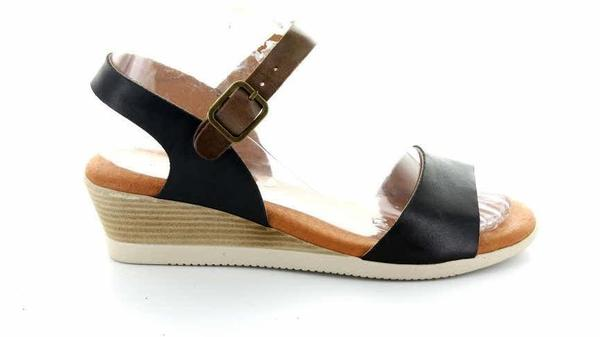 Kendra Black/Tan - Collectiveoutlet