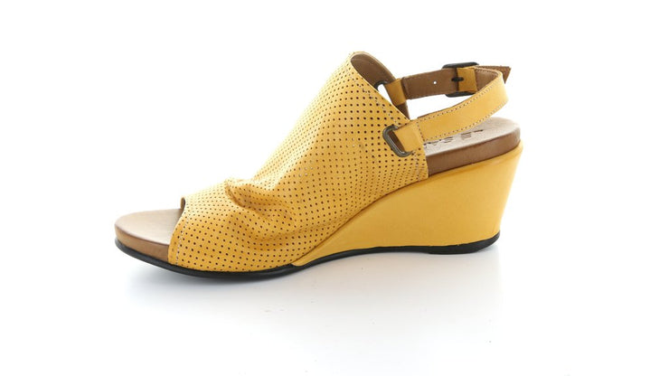 Lesley Mustard - Collectiveoutlet