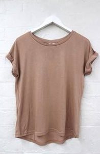 LITTLE LIES ROLL SLEEVE TEE COPPER