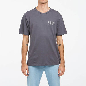 RIDERS RELAXED TEE SLATE