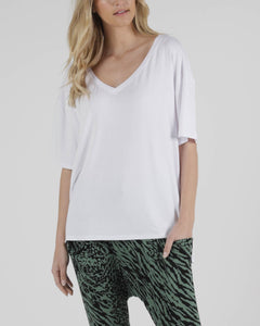 BETTY BASICS BOYFRIEND TEE WHITE