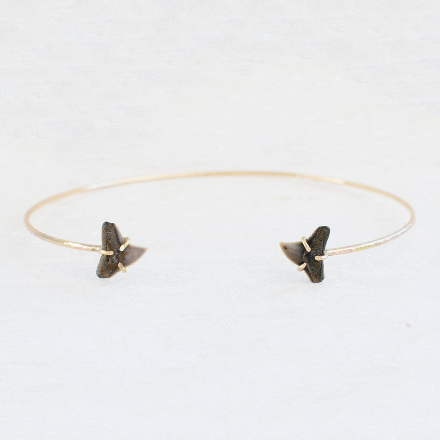 Shark Cove Cuff Choker