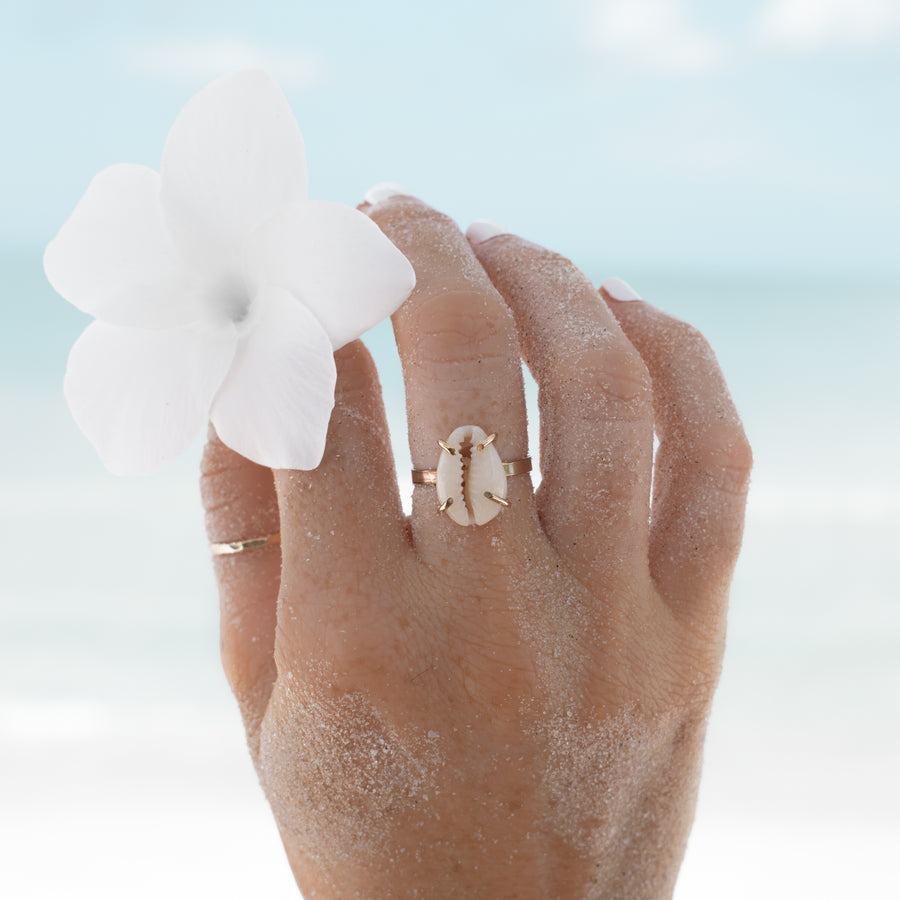 Cowrie Kiss Ring
