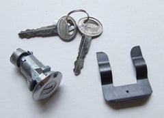 BOOT LOCK CYLINDER & KEY 1967-1973 XW-XB