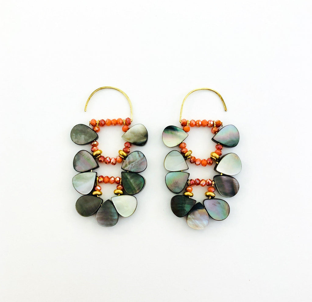 Mother of Pearl Earrings grey/coral - MIMI SCHOLER