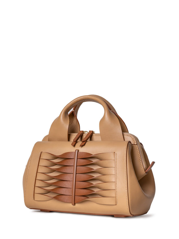 chic and niche handbag in brown