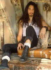90's grunge fashion icons Chris Cornell