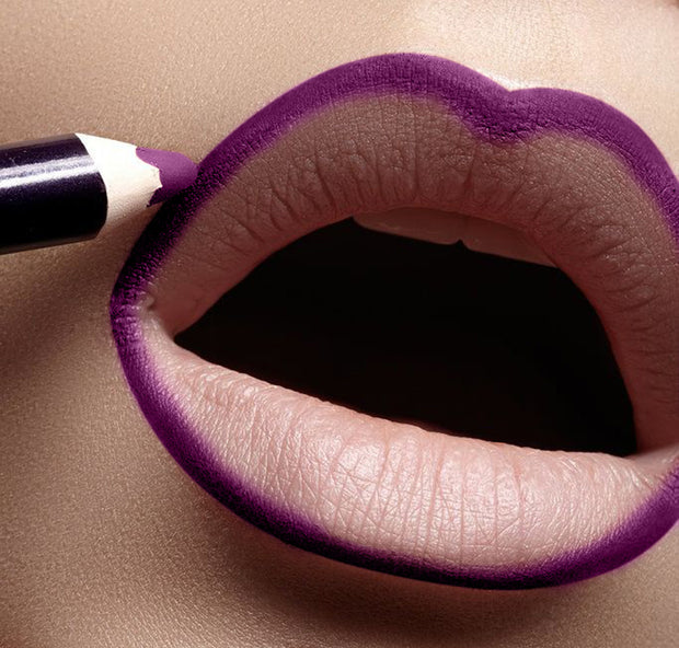 Pleading Plum Lip Liner