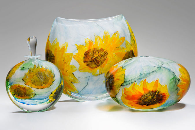 Van Gogh's Sunflowers on tour... in glass!