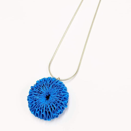 Small Daisy Necklace blue