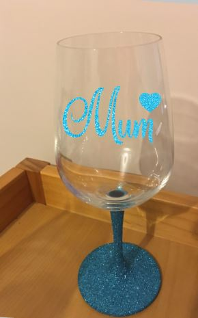 Mum glitter stem wine glass