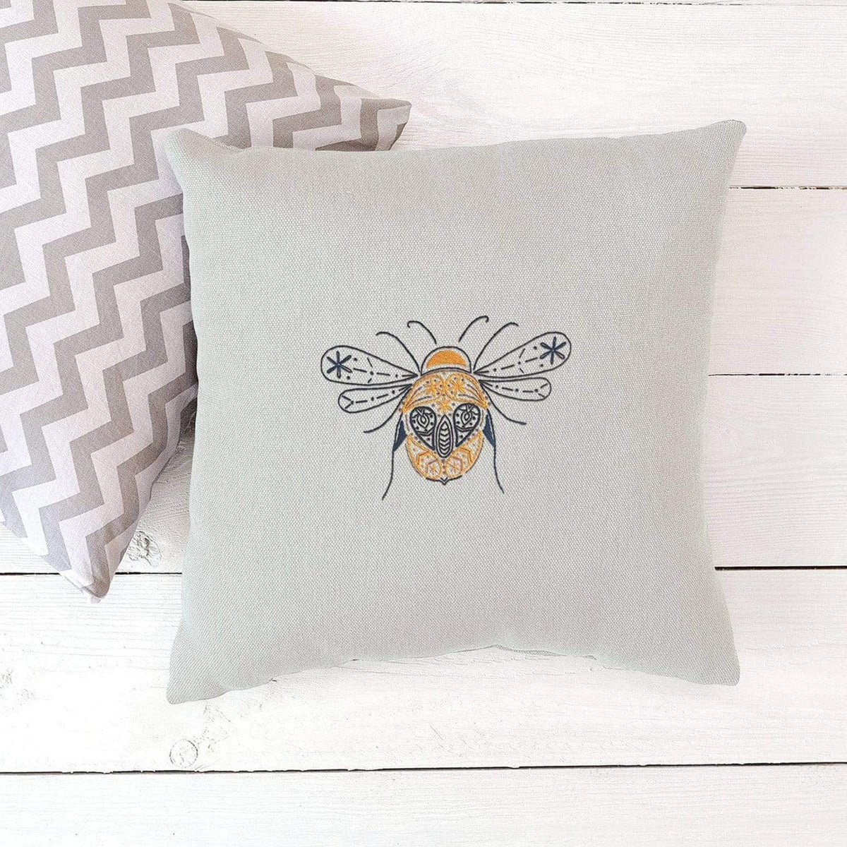 Paraffle Embroidery Cushion Embroidery Kit Bee Cushion Kit & Pattern