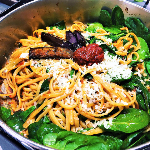 aubergine linguine spinach red pepper spread