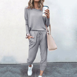 Two piece long sleeve tracksuit