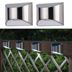 Solar powered outdoor wall light