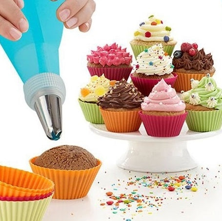 Silicone pastry piping bag & nozzle tips set of 26 pcs