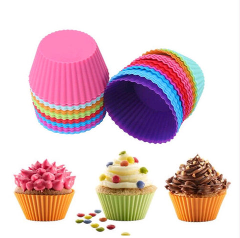 Colourful silicone muffin forms set
