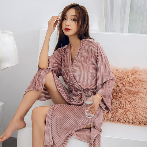 Velvety bathrobe for women