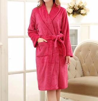 Unisex warm bathrobe