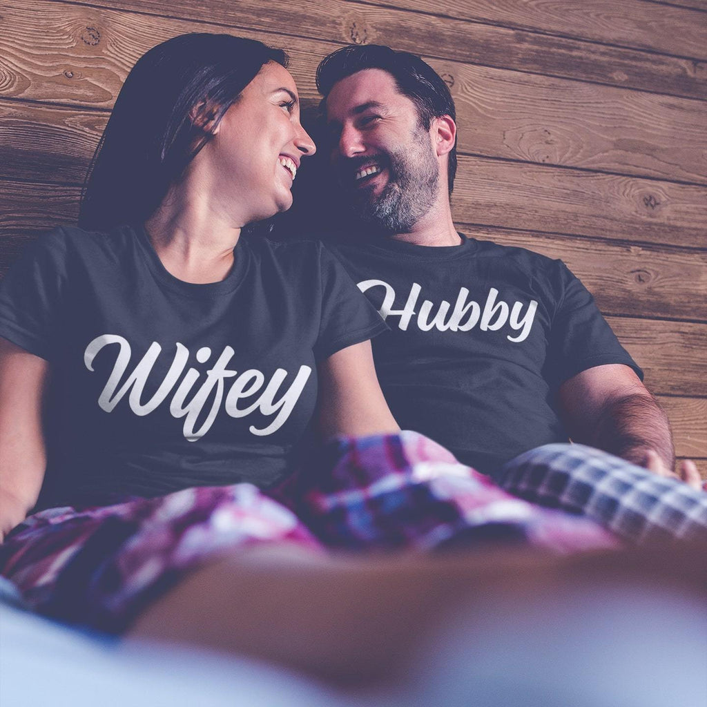 Bazarville Couple Design Black / MEN / XS Hubby Wifey - Couple Tee