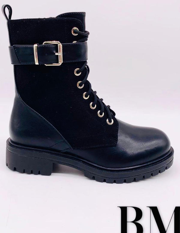 Danny Buckle boots