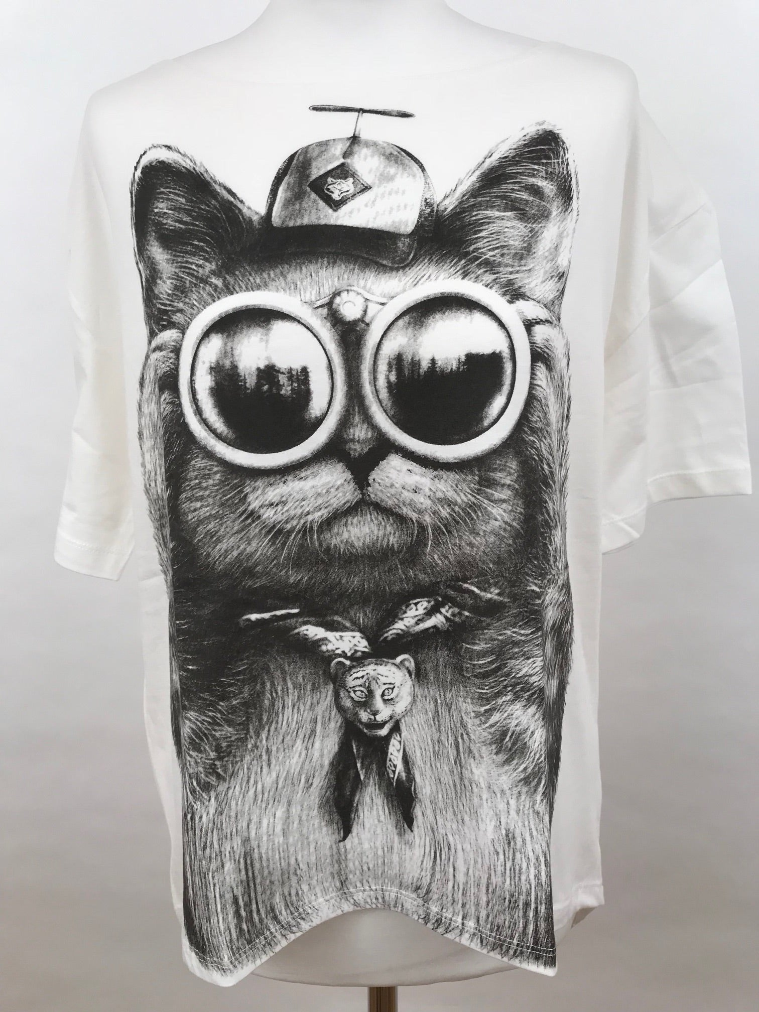 Oii Oversize T-Shirt Cat Glasses