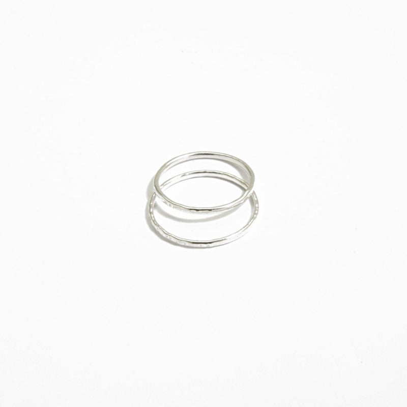 Very thin hammered ring in 925 silver