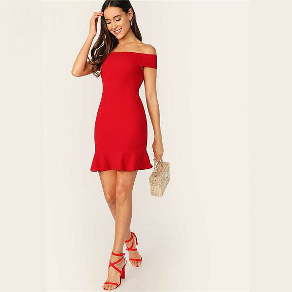 Rotes Off-Shoulder Kleid