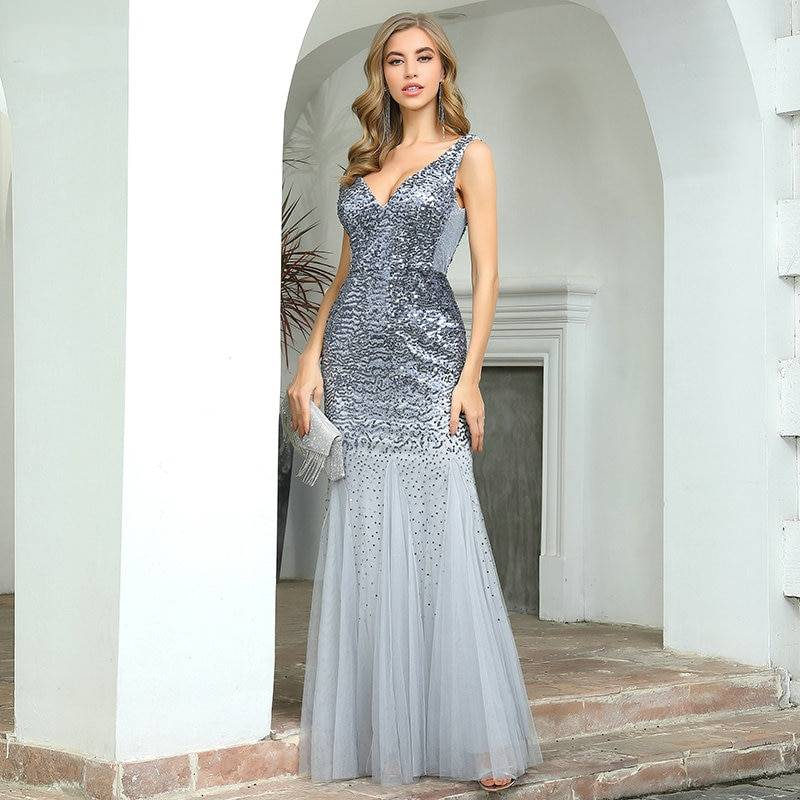 Graues Pailletten Abendkleid mit Fishtail Rock aus Tüll