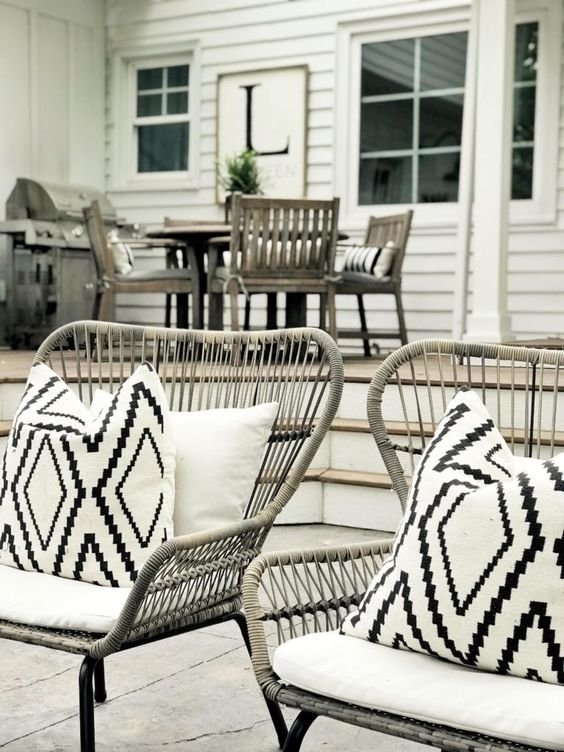 outdoor pillows for summer