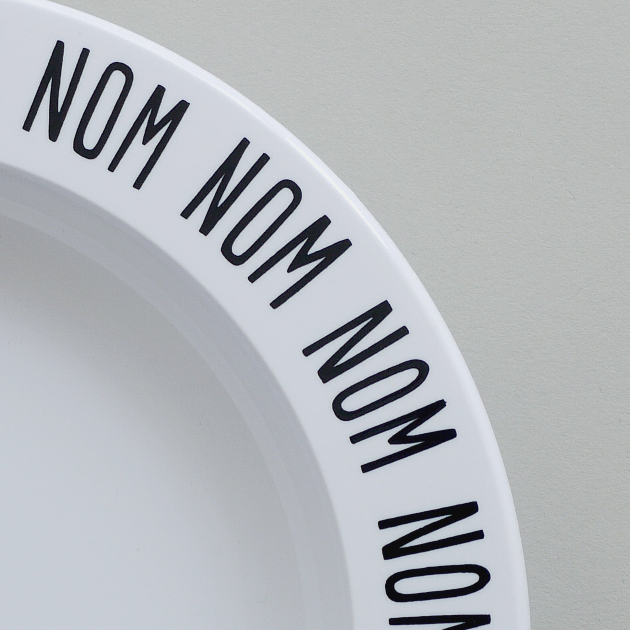 Buddy & Bear - Nom Nom Nom Plate (Black)