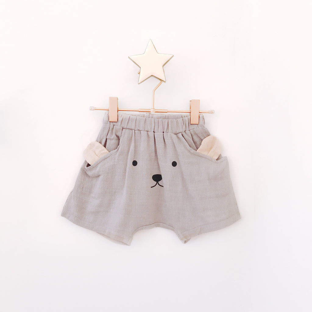 Bear Front Shorts - Pebble