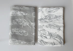 Nest - Feathers Swaddle Set