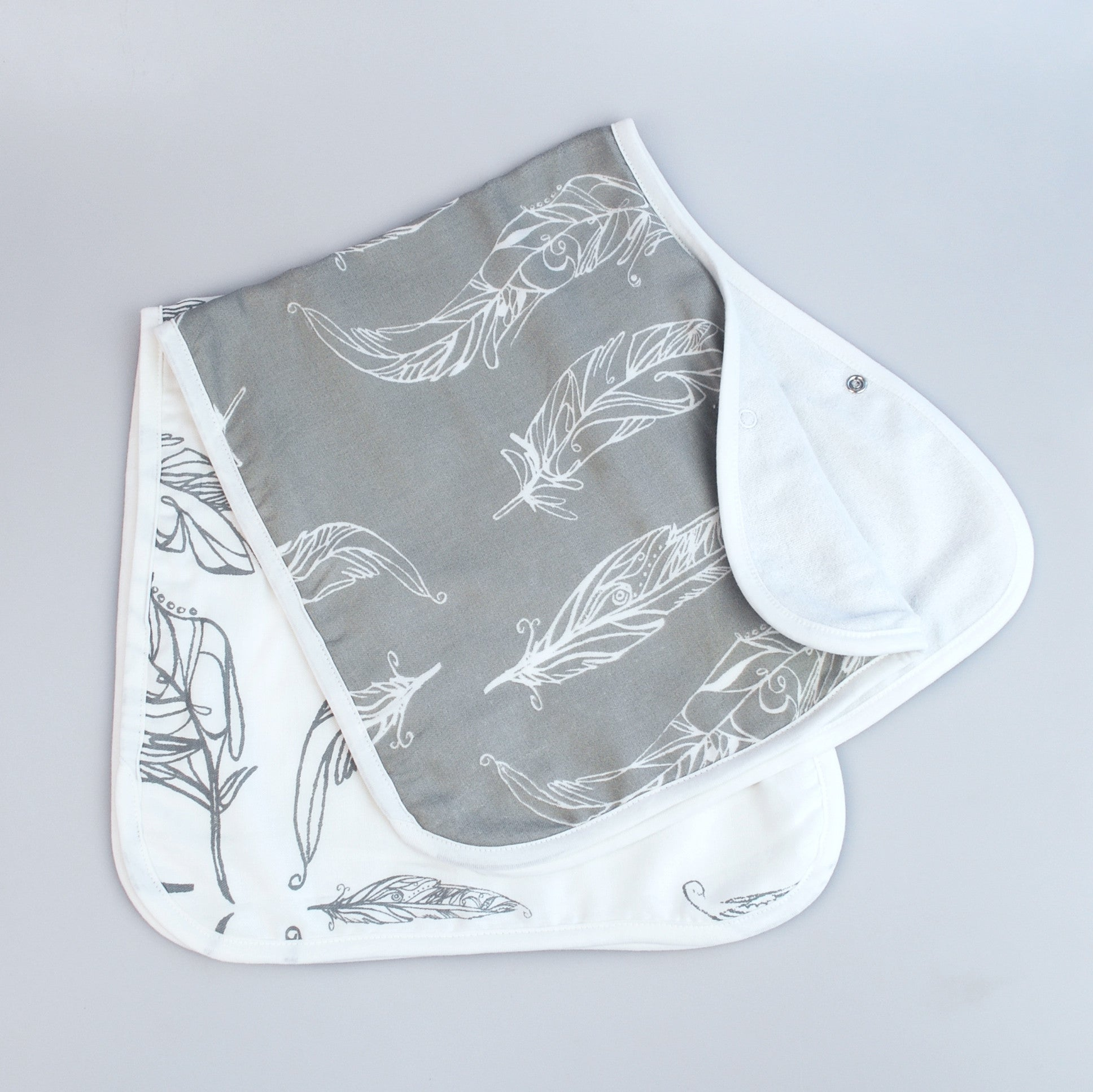 Nest - Feathers Burp 'N Bib