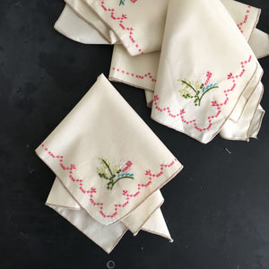 "Vintage Cross Stitch Embroidery Dinner Napkins - Set of Four - 15"" Floral Corner Edge"