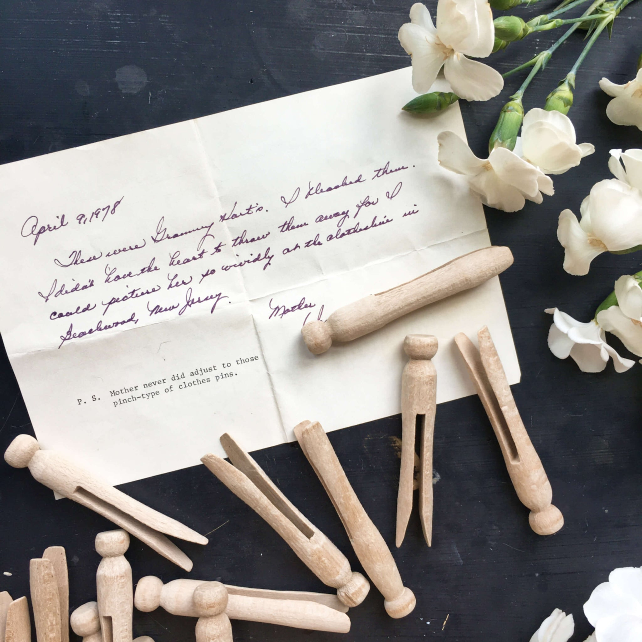 Vintage Clothespins Collection -  Set of 26 - Circa 1950's Beachwood, New Jersey - With Handwritten Note