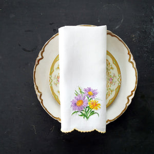 Vintage Linen Napkin with Aster Flower Bouquet Applique and Scalloped Edging