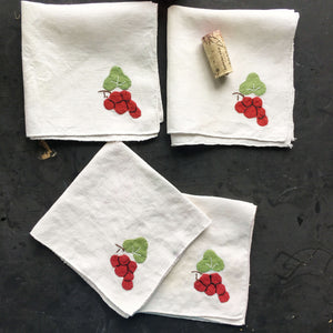 Vintage Linen Cocktail Napkins with Grape Cluster Applique - Set of Four - Vintage Bar Linens
