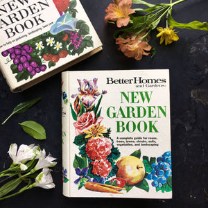 Better Homes & Gardens New Garden Book - 1972 Edition - Five Ring Binder Style