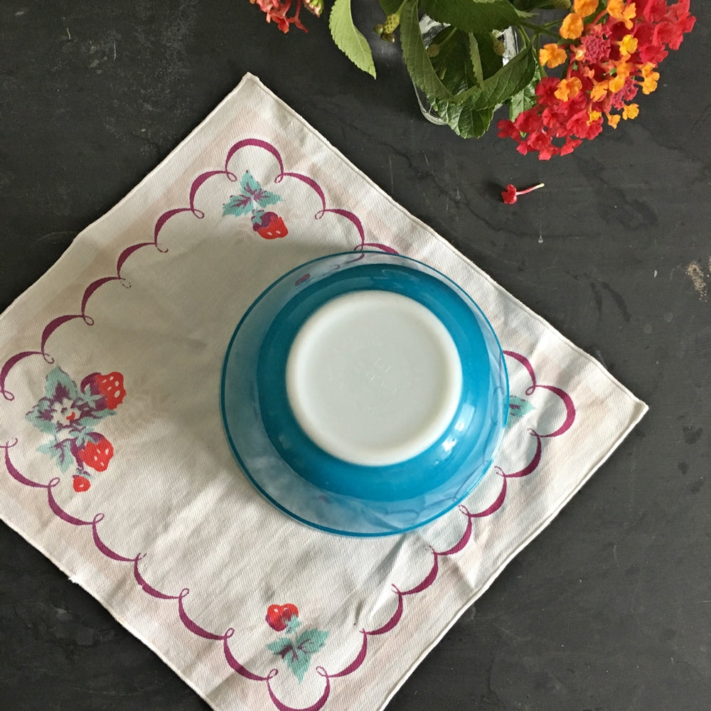 Vintage Pyrex #401 Small 1 1/2 PT Mixing Bowl - Blue 1950's Dishware