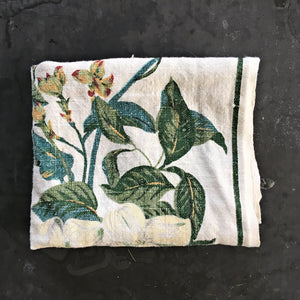Vintage Williamsburg Tea Towel - Magnolia and Dogwood Design - Linen