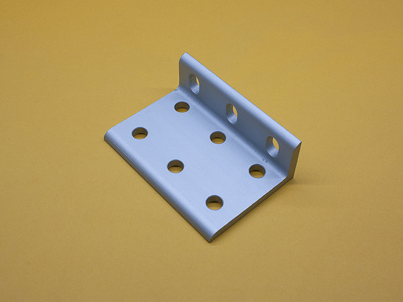 (CBS-010-F) 9 HOLE SLOTTED INSIDE CORNER BRACKET