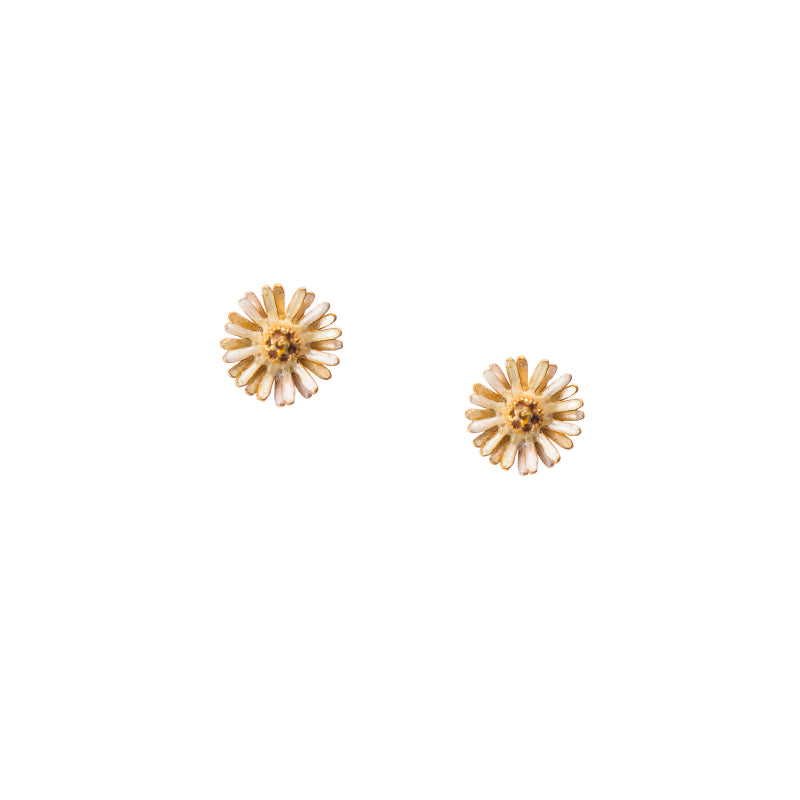 Effortless White Daisy Stud Earrings