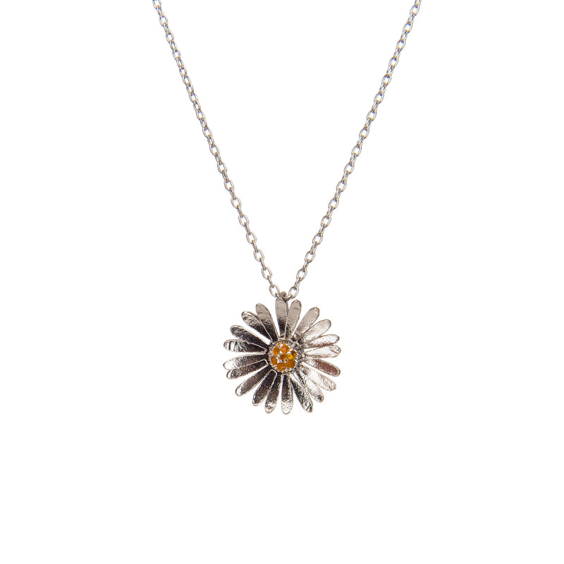 Effortless Sterling Silver Daisy Pendant Necklace