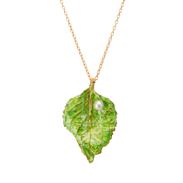 Intricate Green Leaf Pendant Necklace