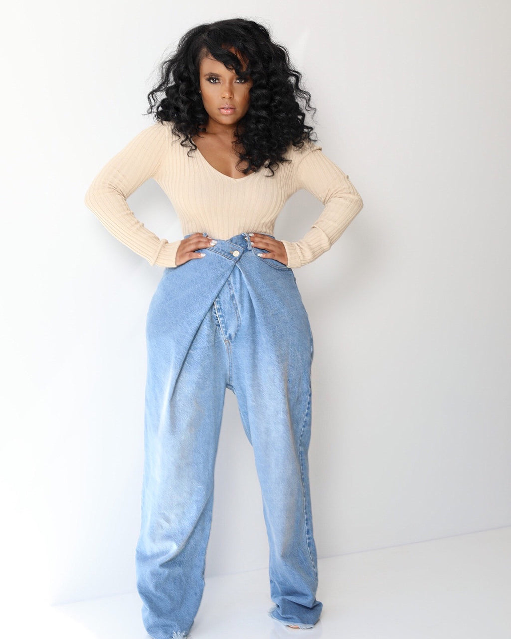 Criss Crosss | High Waist Mom Jeans