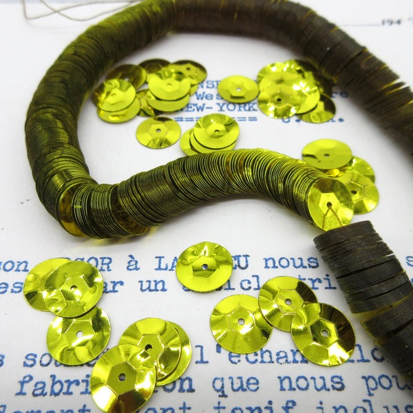 Metallic Citron Cup Sequins 1 Strand 1000 Pieces
