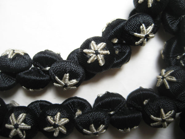 Black/Cream Star Buttons 1 Doz